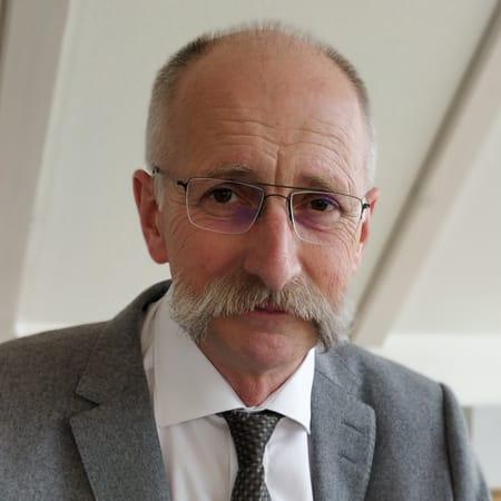 Potrait Herr Roland Schütz